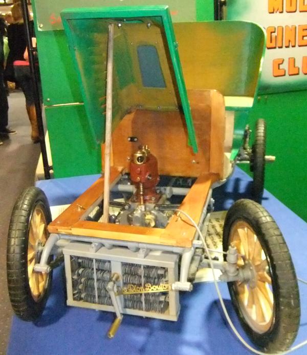 1903 De Dion Motor Car under the bonnet
