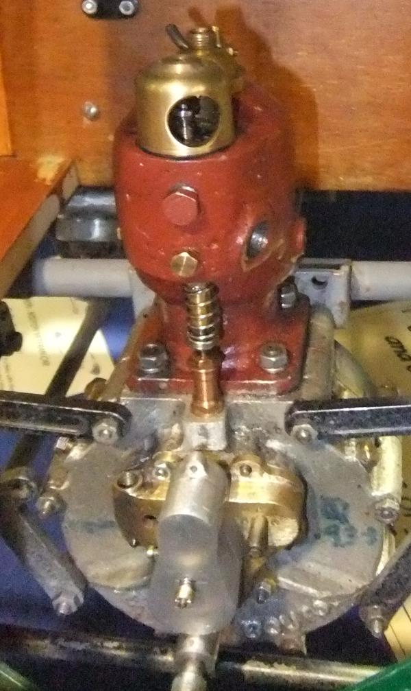 1903 De Dion Motor Car engine close up